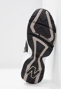 New Balance - WX608 - Sneakersy niskie - schwarz - 6