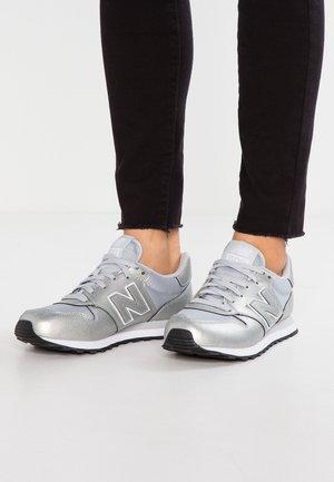 GW500 - Sneaker low - silver