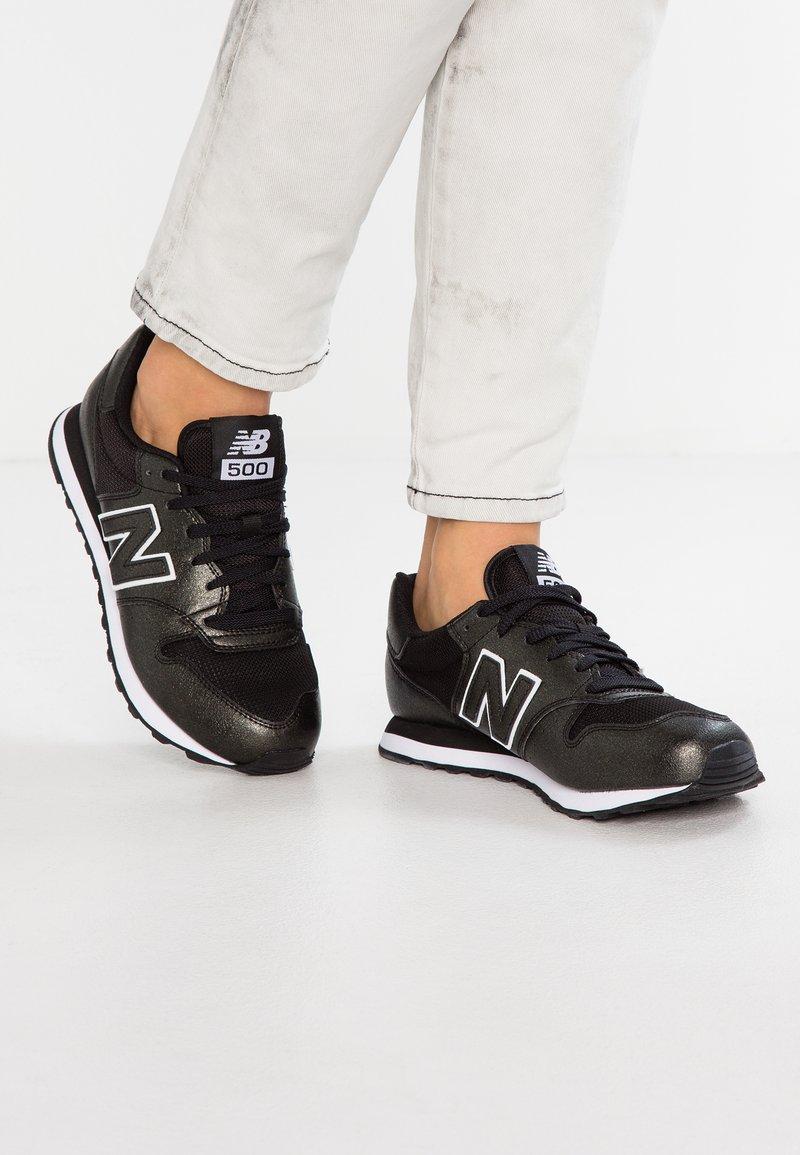 New Balance - GW500 - Sneakersy niskie - black