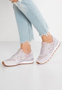 New Balance - WR996 - Sneakers laag - rose - 0