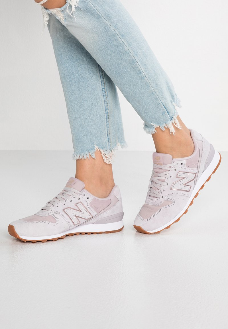 New Balance - WR996 - Sneakers laag - rose