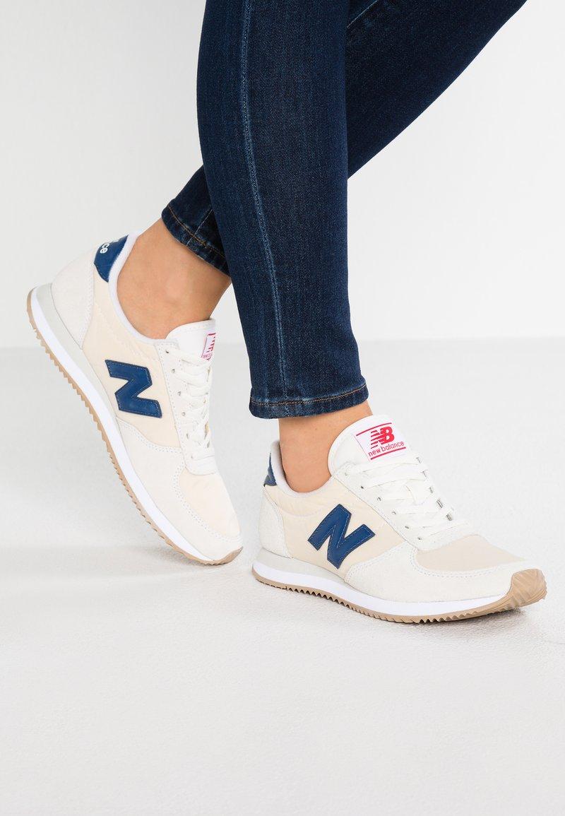 New Balance - WL220 - Sneaker low - sea salt