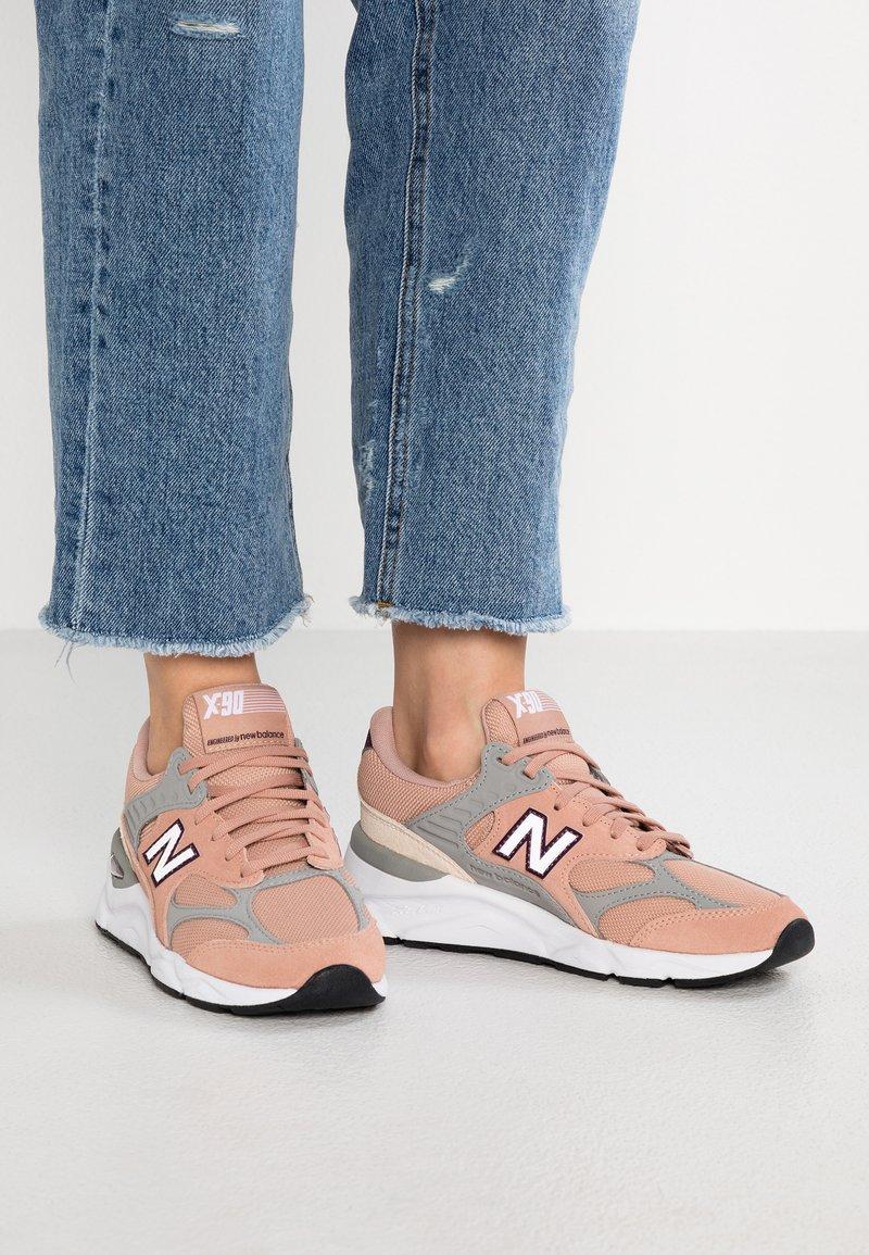 New Balance - WSX90 - Sneaker low - pink sand