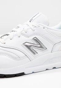 New Balance - CW997 - Sneakersy niskie - white/silver - 2