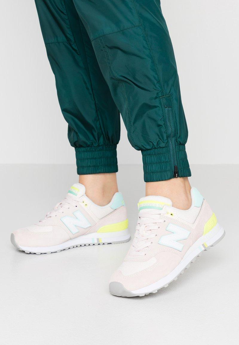 New Balance - WL574 - Sneakers - pink mist