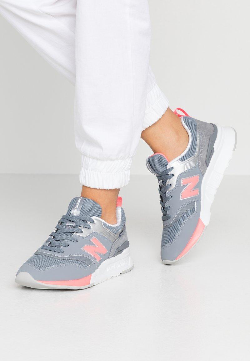 New Balance - CW997 - Sneakers laag - black