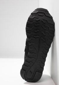 New Balance - GW500 - Trainers - black/grey - 6