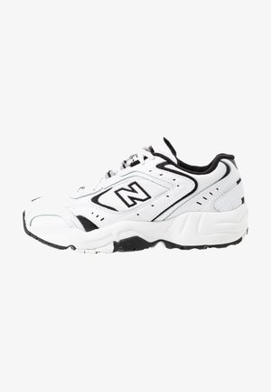 WX452 - Joggesko - white/black