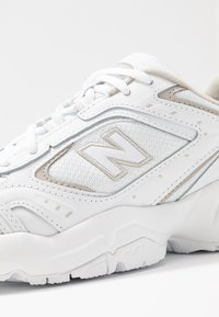 New Balance - WX452 - Joggesko - white/grey - 2