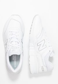 New Balance - Sneaker low - white - 3