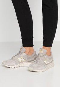 New Balance - Sneaker low - grey - 0