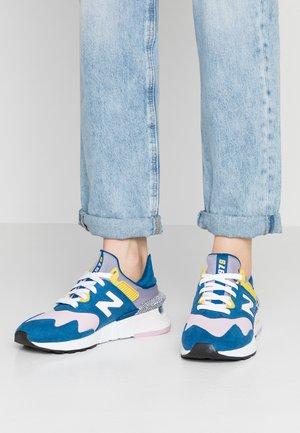 Sneaker low - blue/pink