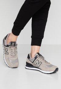 New Balance - WL574 - Zapatillas - grey/black - 0
