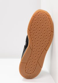 New Balance - WS247 - Sneaker low - black/white - 6