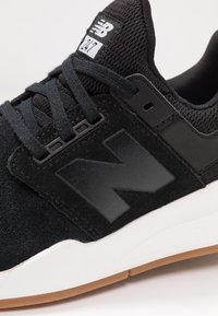 New Balance - WS247 - Sneaker low - black/white - 2