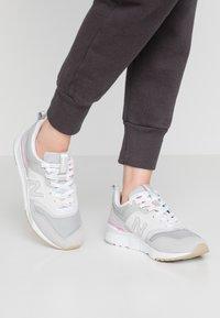 New Balance - CW997 - Sneakersy niskie - light grey - 0