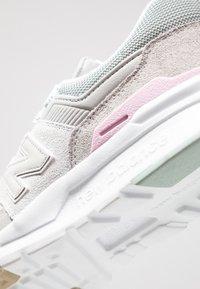New Balance - CW997 - Sneakersy niskie - light grey - 2