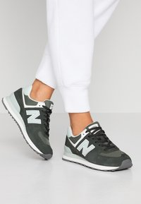 New Balance - 574 - Sneakers - green - 0