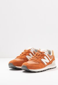 New Balance - 574 - Sneakers - brown - 4