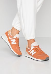New Balance - 574 - Sneakers - brown - 0