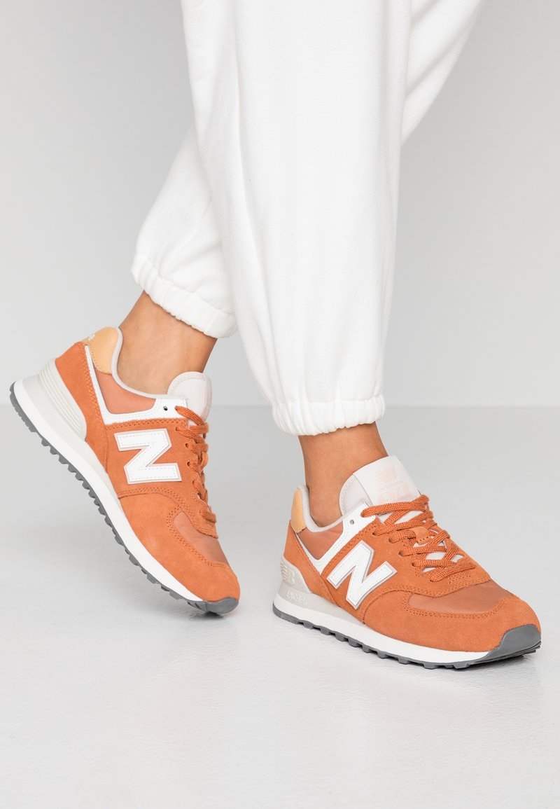 New Balance - 574 - Sneakers - brown