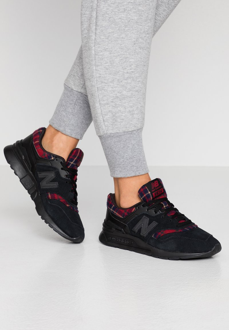 New Balance - 997 - Trainers - black/red