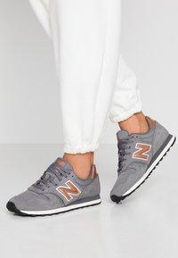 New Balance - 373 - Zapatillas - grey - 0