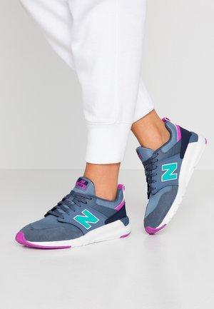 009 - Zapatillas - blue