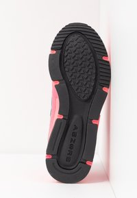 New Balance - X-RACER - Sneakers - pink - 8