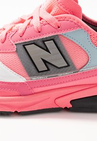 New Balance - X-RACER - Sneakers - pink - 2