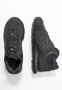 New Balance - WH574 - Höga sneakers - black - 3