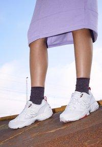 New Balance - 708 - Sneakers basse - white - 4