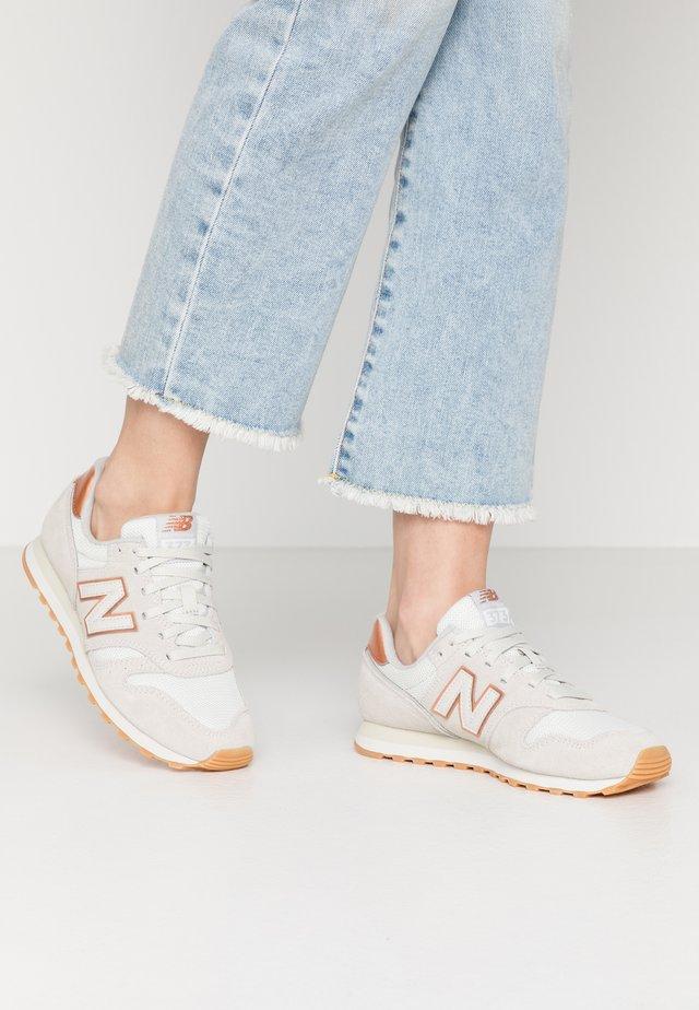 WL373 - Sneakers laag - beige