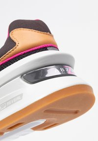 New Balance - WS997 - Sneakers - grey/pink - 2