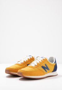 New Balance - UL720 - Trainers - yellow - 4