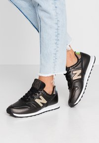 New Balance - WL373 - Zapatillas - black/white - 0