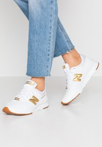 New Balance - CW997 - Matalavartiset tennarit - white - 0