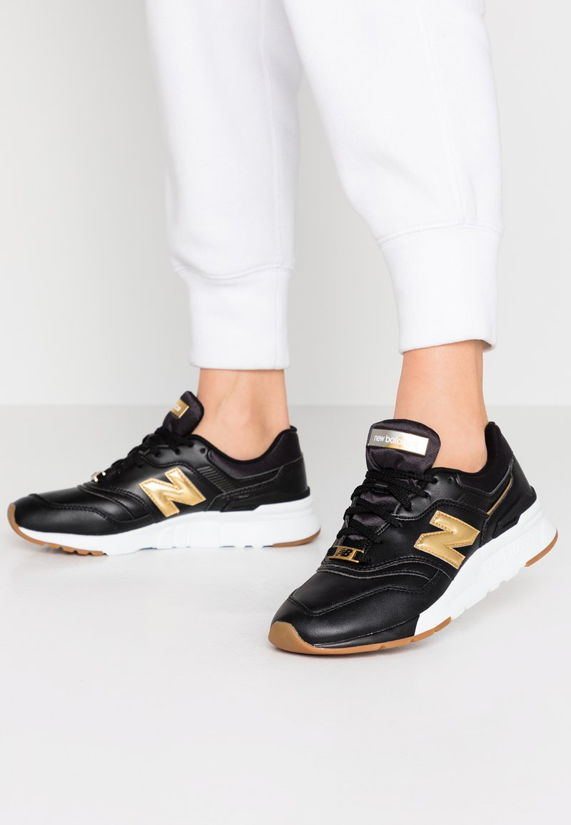 New Balance - CW997 - Sneakersy niskie - black/yellow