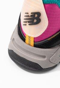New Balance - WSXRC - Trainers - pink/black - 2