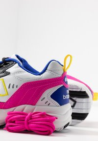 New Balance - WX608 - Trainers - white/black/pink - 7