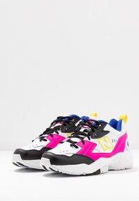 New Balance - WX608 - Trainers - white/black/pink - 4