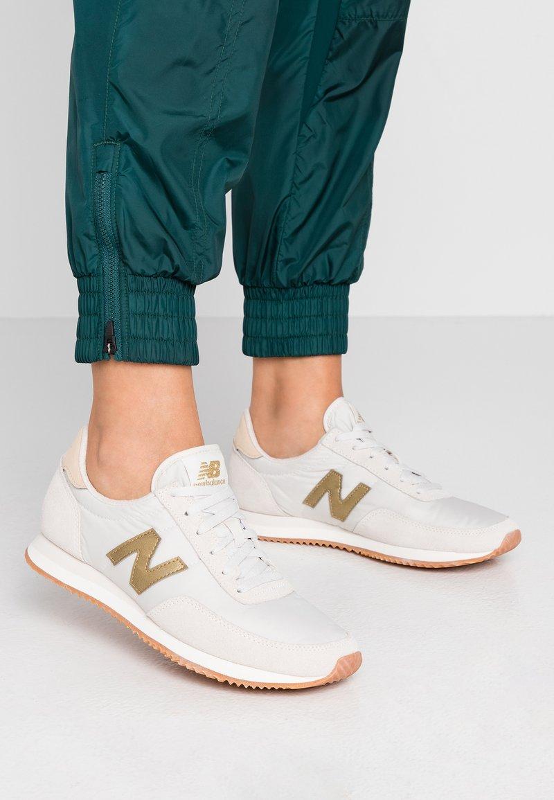 New Balance - WL720 - Baskets basses - offwhite