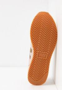 New Balance - WL720 - Sneaker low - pink - 6