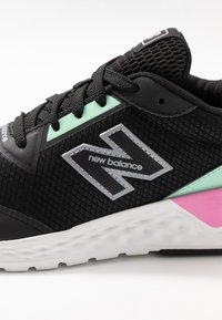 New Balance - WS515 - Sneakers laag - black - 2