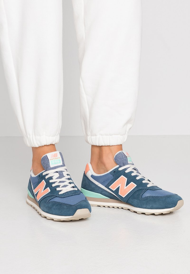 New Balance - WL996 - Trainers - stone blue