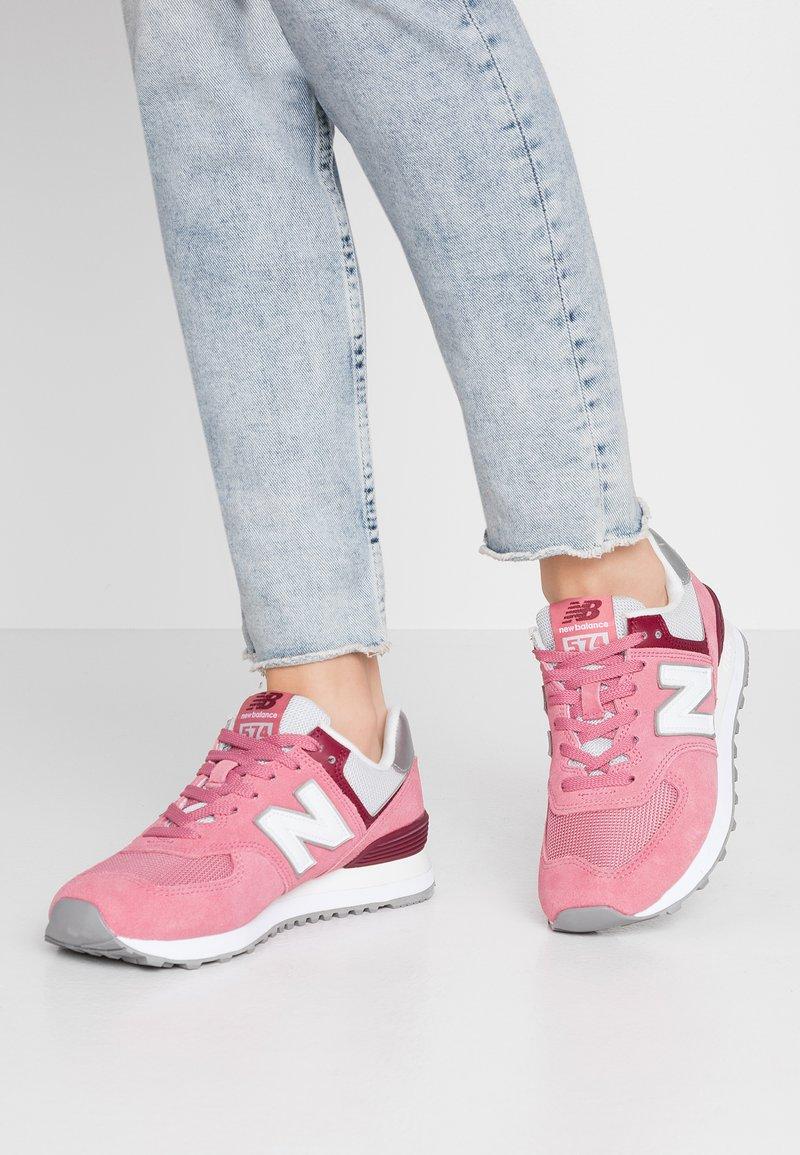 New Balance - WL574 - Sneakersy niskie - purple
