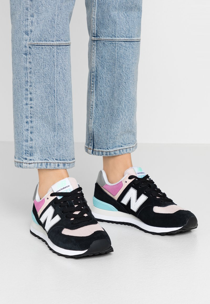New Balance - WL574 - Sneakers laag - black/pink