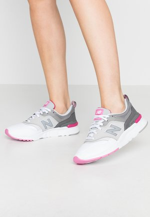 CW997 - Baskets basses - white/pink
