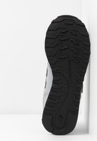 New Balance - GW500 - Zapatillas - grey - 6