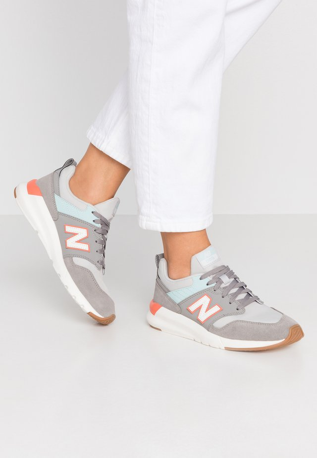 WS009 - Trainers - grey